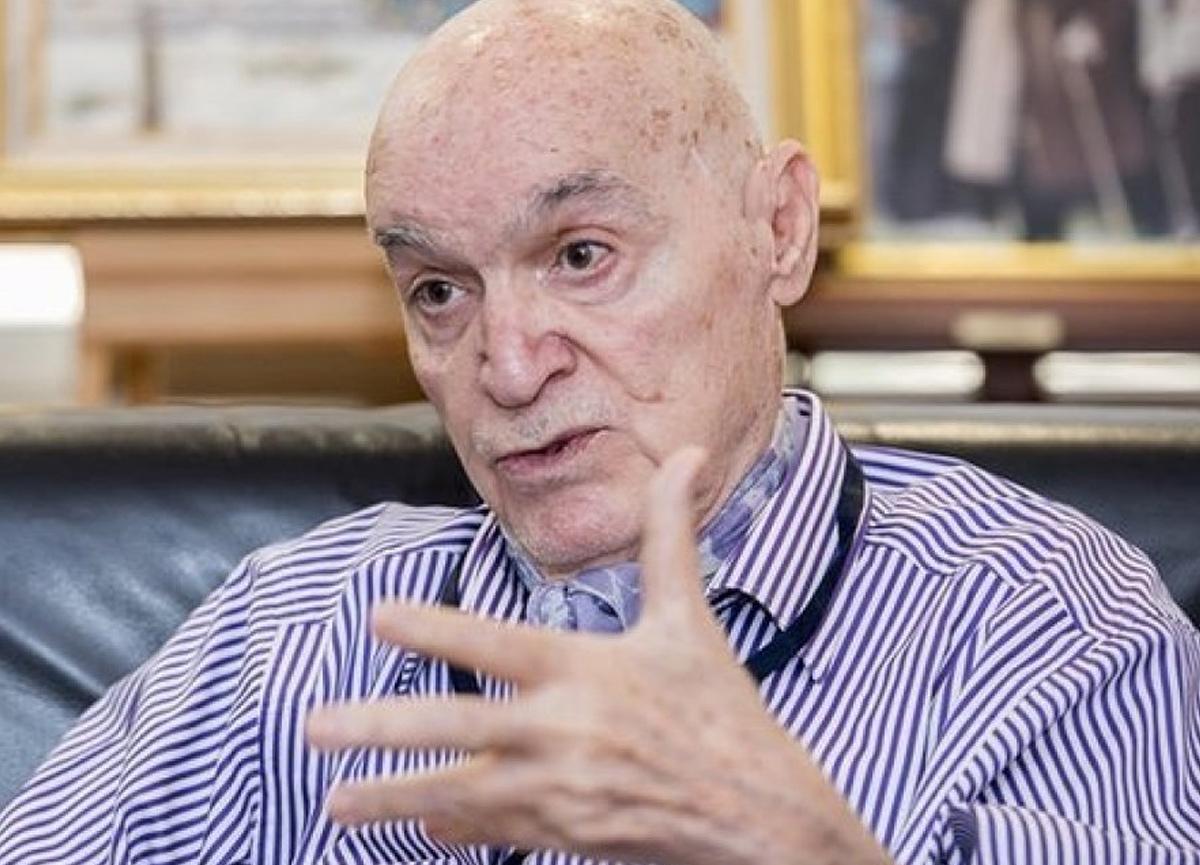 Duayen yazar Hıncal Uluç, koronavirüse yakalandı