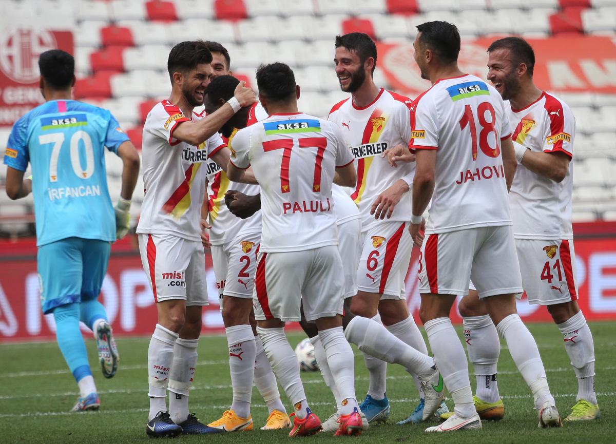 Göztepe deplasmanda Antalyaspor'u 3-2 mağlup etti