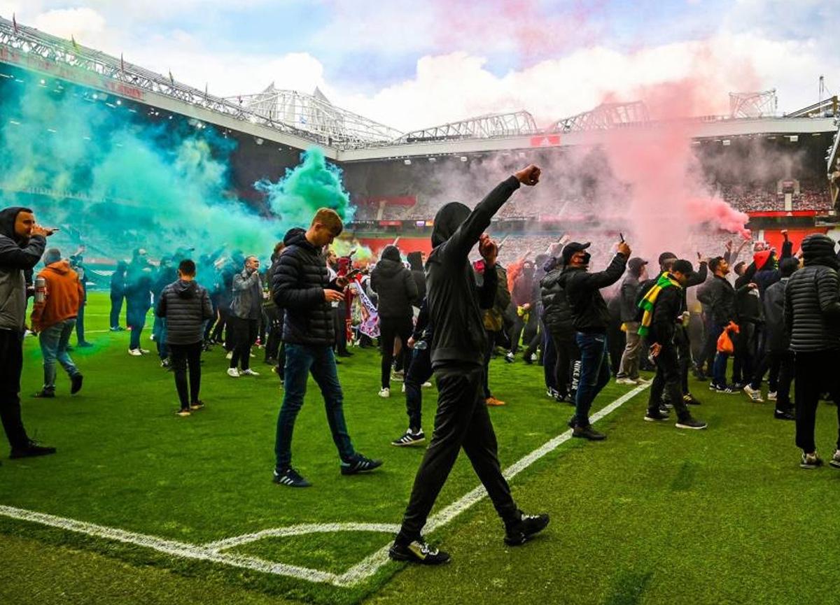 Manchester United taraftarından Avrupa Süper Lig'i protestosu