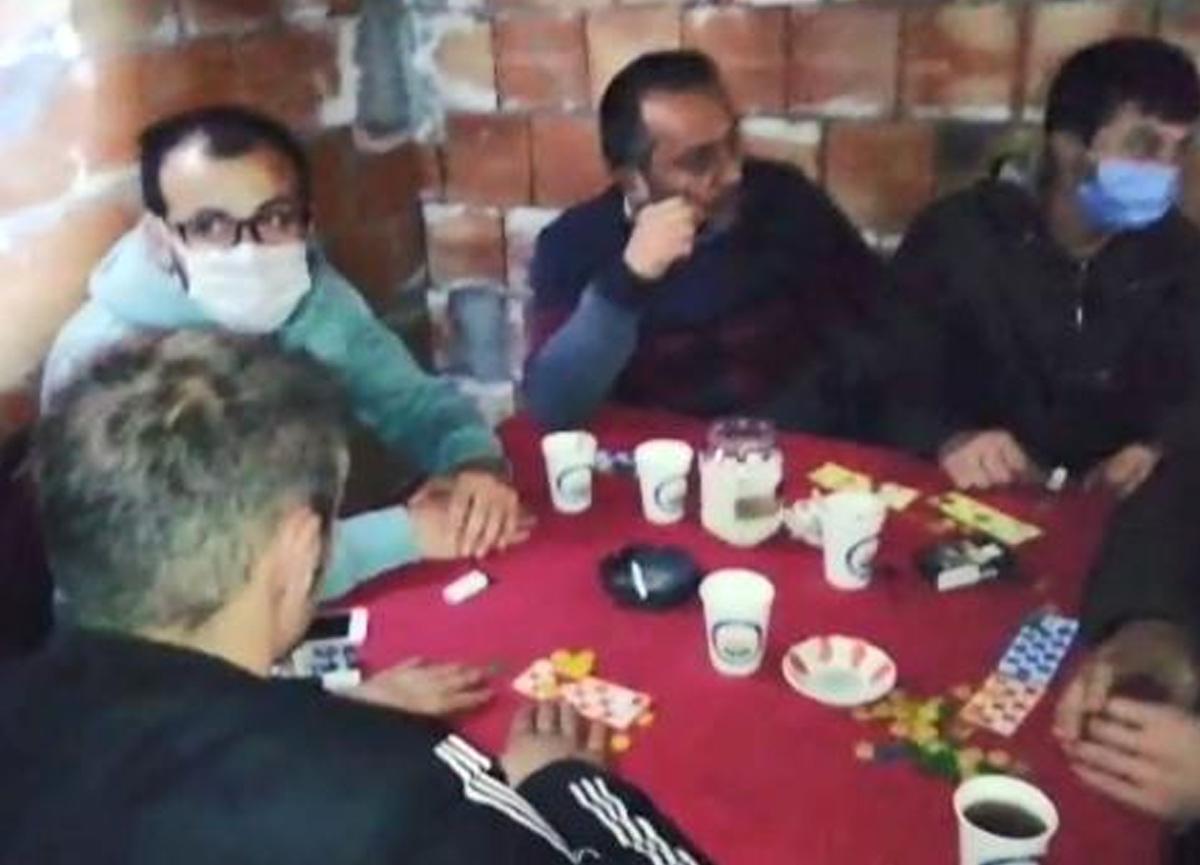 İnşaatı kumarhaneye çeviren 12 kişiye suçüstü