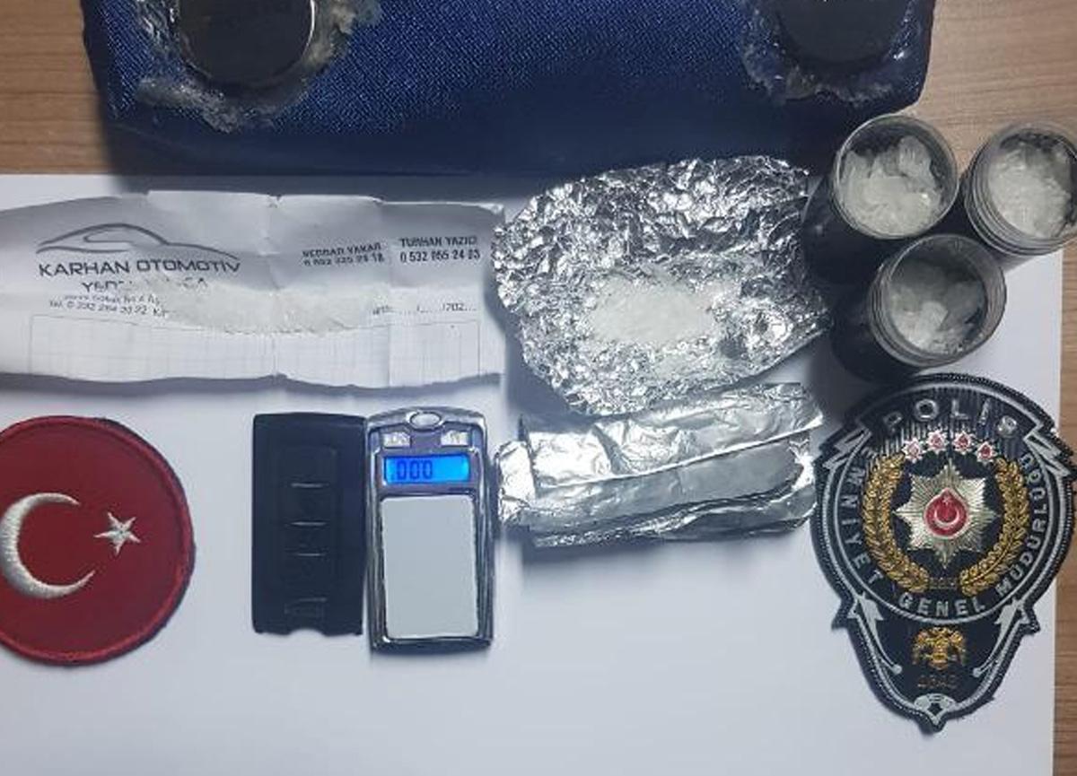Uyuşturucu satıcısının taktiği polisi şaşkına çevirdi