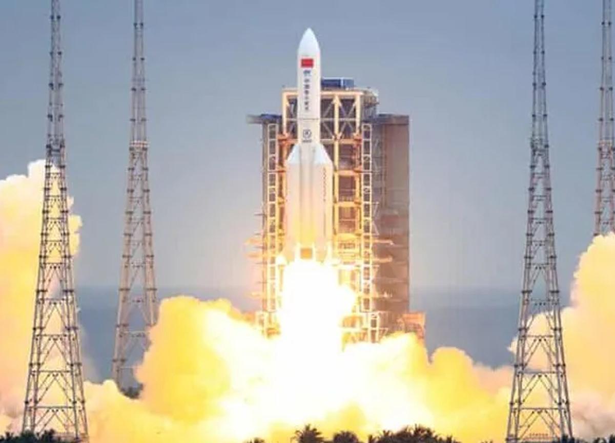 Hafta sonu dünyaya düşecek! Çin'e ait uzay roketi kontrolden çıktı!