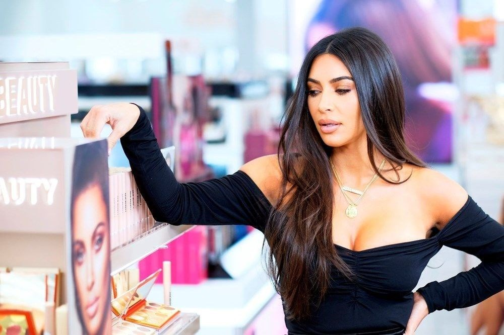 Kim Kardashian'a tarihi eser kaçakçılığı suçlaması