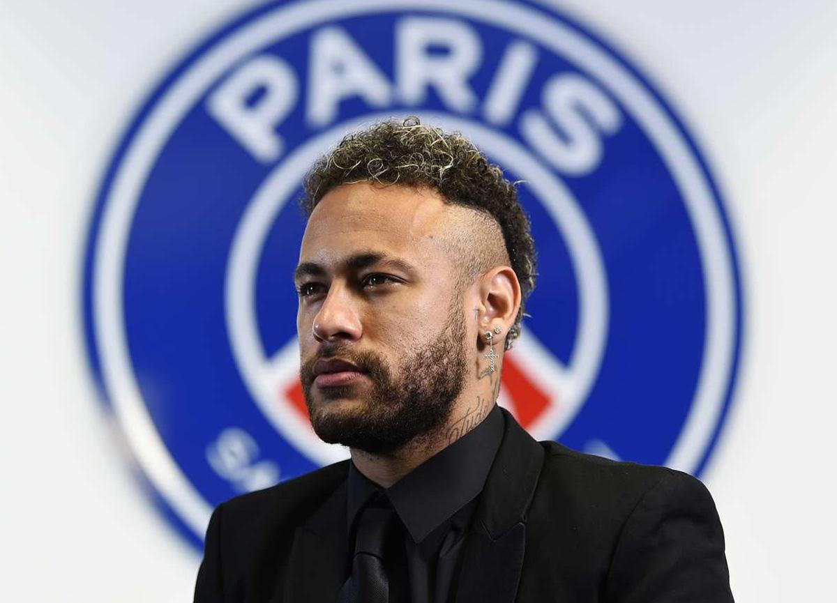 Paris Saint Germain Neymar'ın sözleşmesini 2025 yılına kadar uzattı