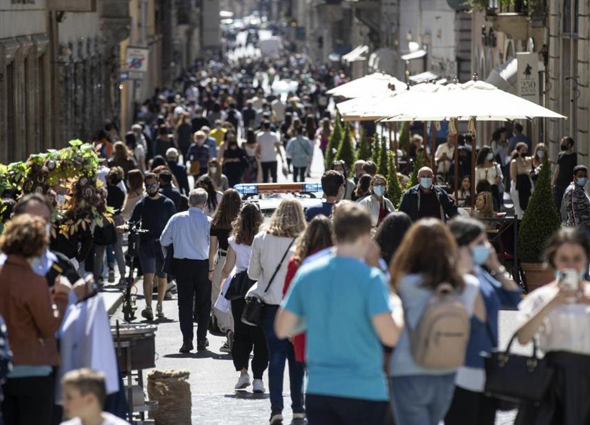 İtalya'da son 24 saatte 10 bin 176 yeni vaka bildirildi