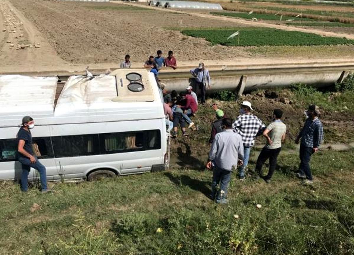 Tarım işçilerini taşıyan minibüs şarampole uçtu! 7 yaralı var
