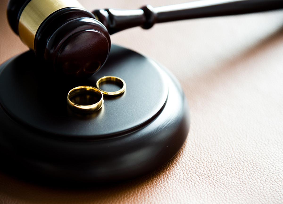 Eşinin cinsel içerikli görüşmelerini ortaya çıkarmıştı! Yargıtay kararını verdi
