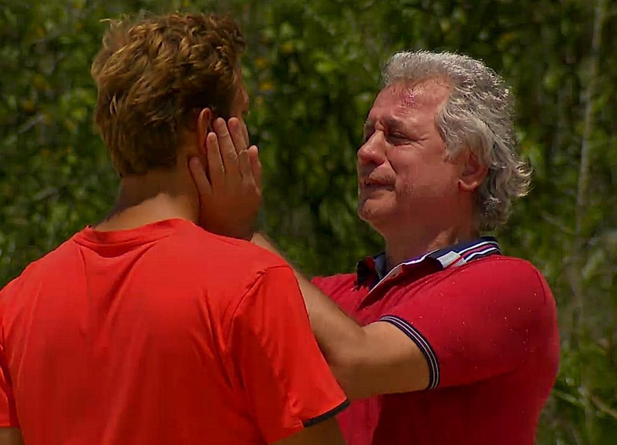 Survivor Berkay kimdir, kaç yaşında, nereli? Berkay'ın babası Semih Yuvakuran kimdir, hangi takımlarda oynadı?