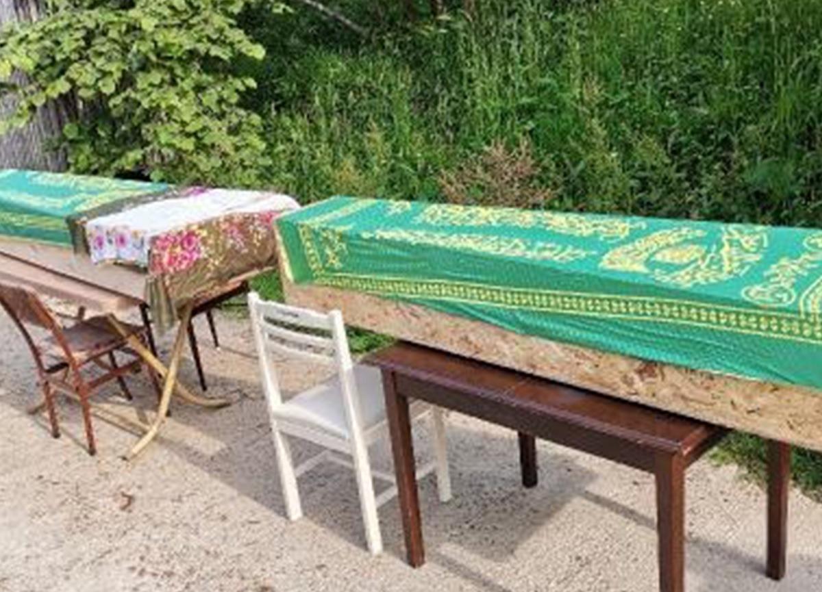 Baltayla öldürdüğü annesi ile yan yana toprağa verildi