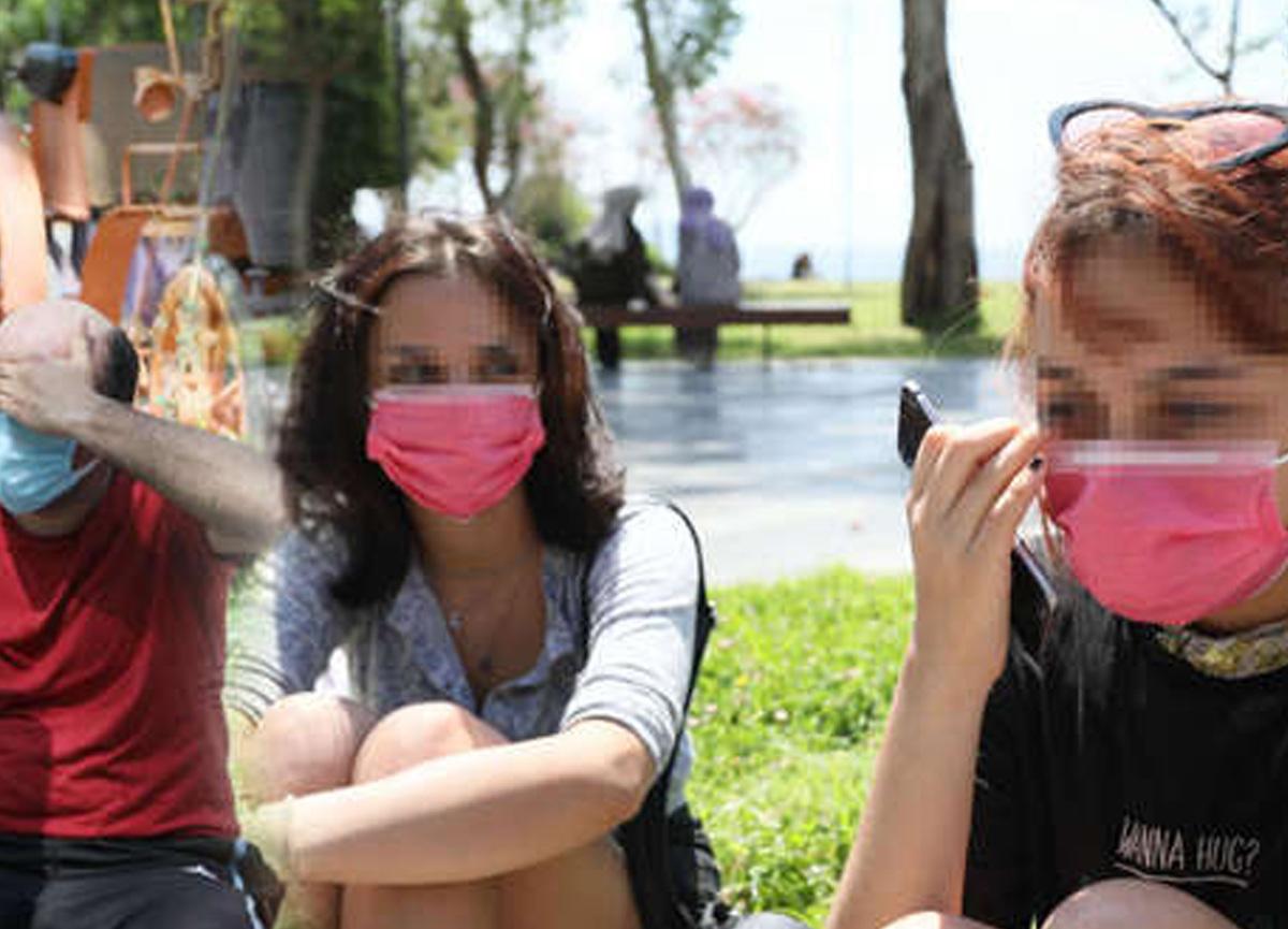 Antalya'da iğrenç olay! Sahilde kabindeki genç kızları görüntüledi