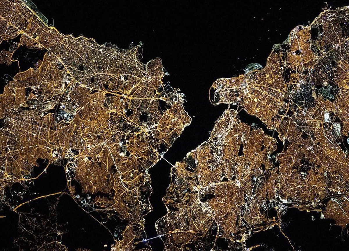 NASA'dan dikkat çeken paylaşım: Hey İstanbul. Parlıyorsun!