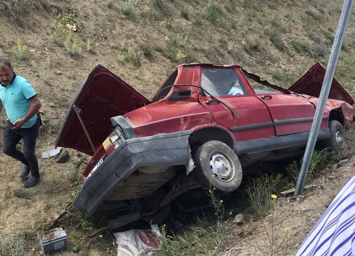Çorum'da otomobil şarampole uçtu! 2 kişi yaralandı