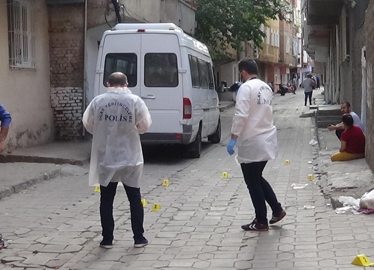 Diyarbakır'da kız meselesi kanlı bitti: 1 kişi öldü, 3 kişi yaralandı