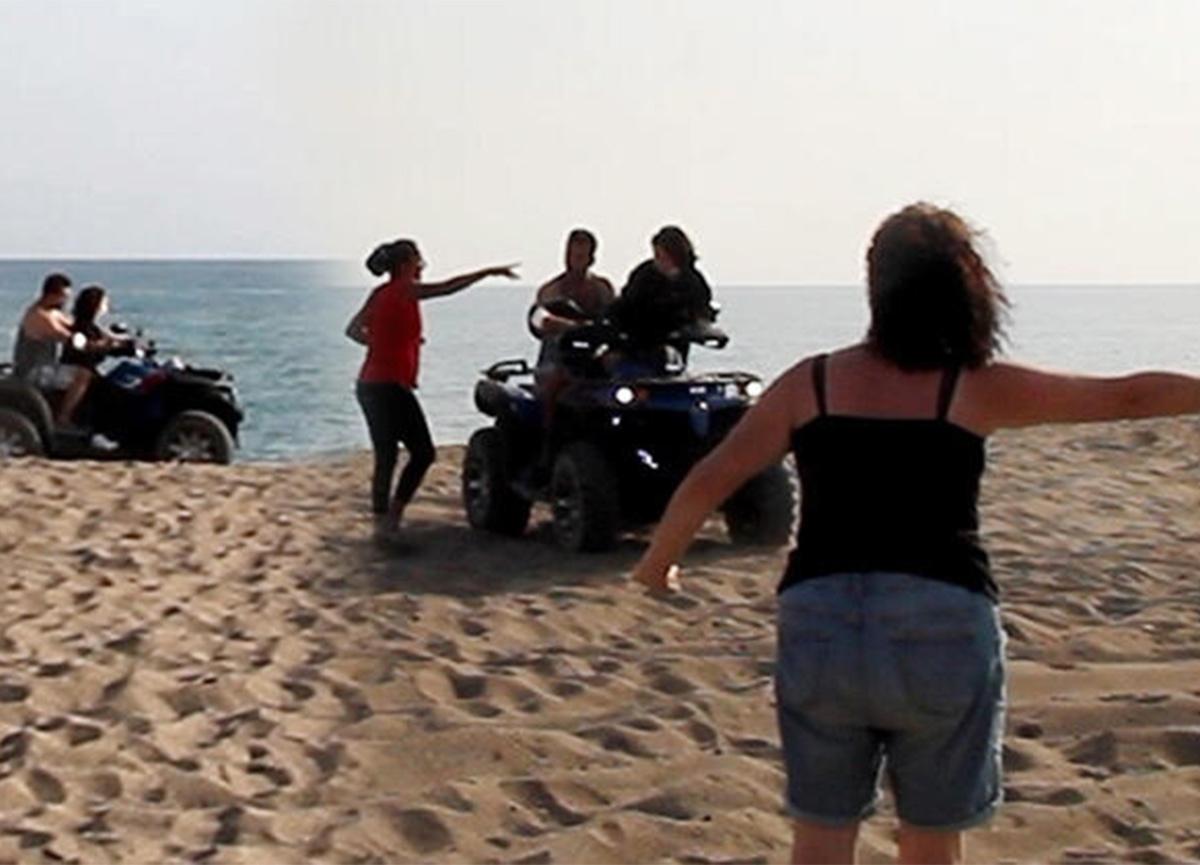 Caretta yuvalama alanına ATV ile girdiler! Hemen uzaklaştırıldılar