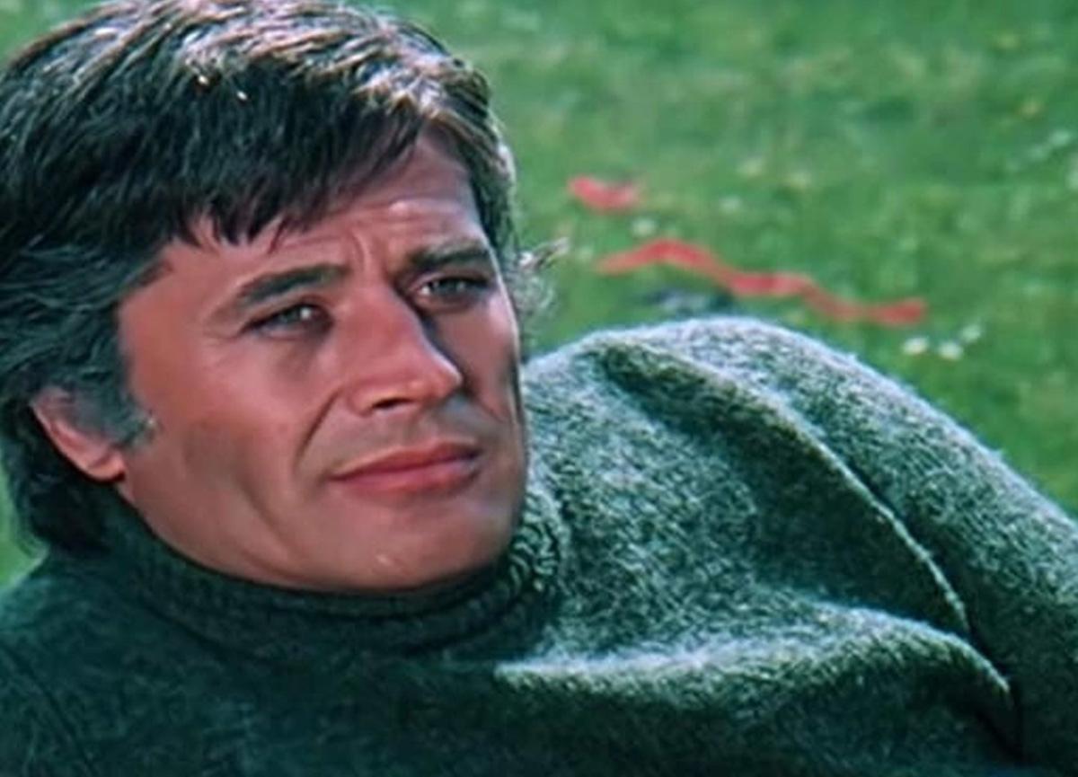 Yeşilçam'ın usta oyuncusu Cüneyt Arkın'dan maziye götüren kare