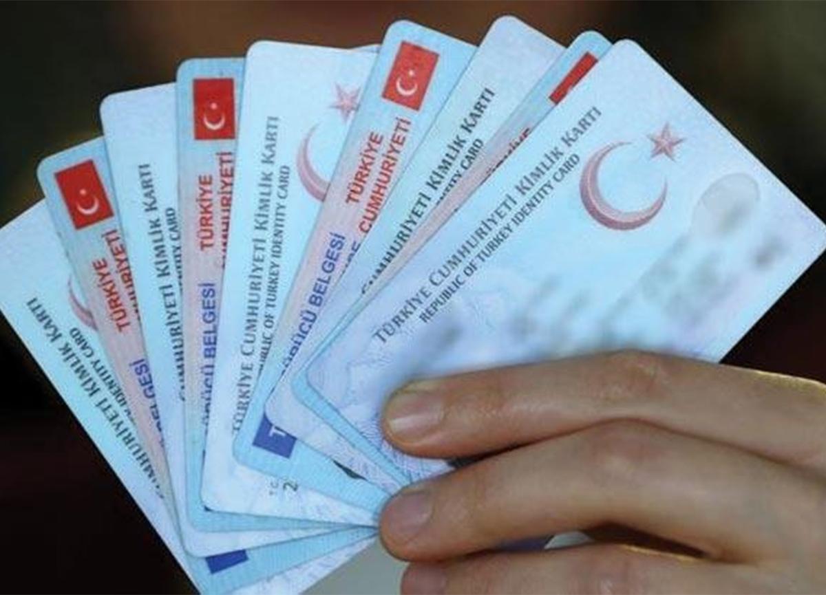 Kıbrıs'a yeni tip kimlik kartı ile çıkmak zorunlu oldu!