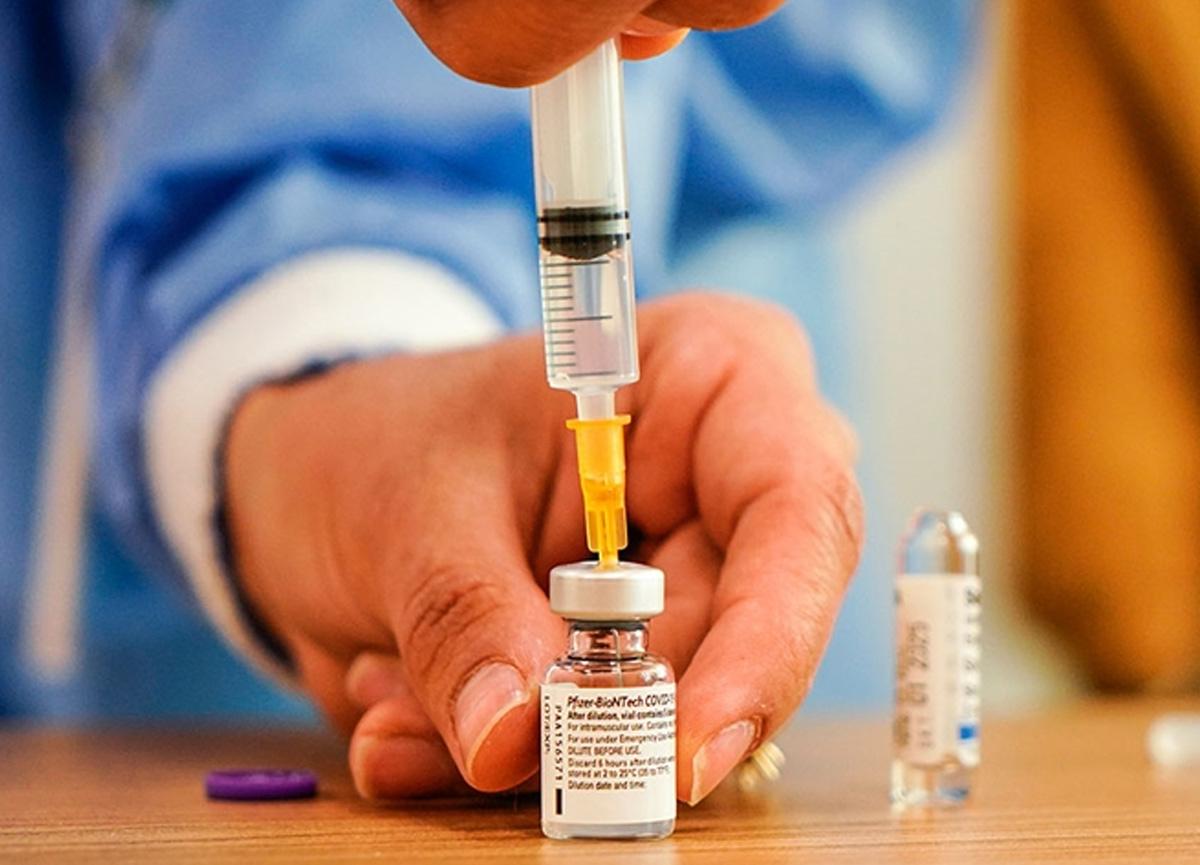 Sağlık Bakanı Fahrettin Koca: BionTech aşıları aile hekimlerinde de olunabilecek