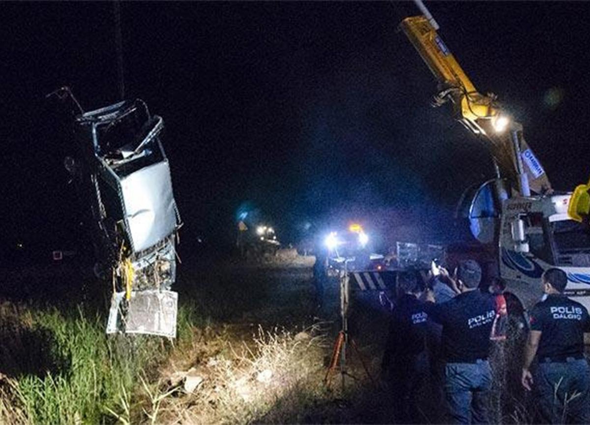 Ankara'da feci kaza! 3 kişi hayatını kaybetti