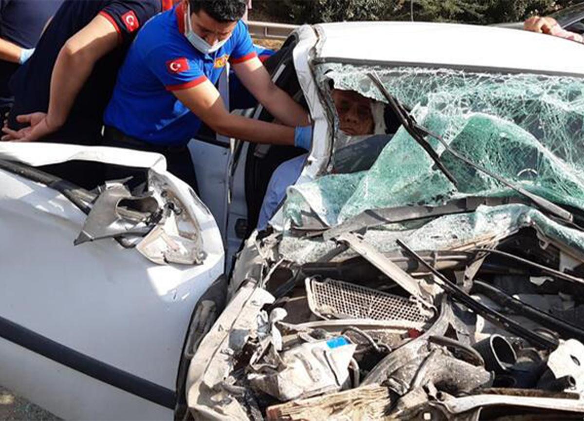 Adana'da feci kaza! 5 milli eğitim müdürü yaralandı