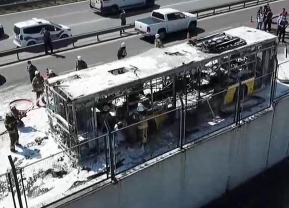 Son dakika: Bayrampaşa'da İETT otobüsü yandı!