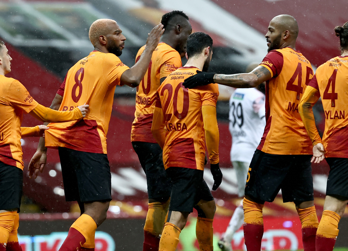 Başkanlık seçimine kilitlenen Galatasaray'da 3 imza birden!