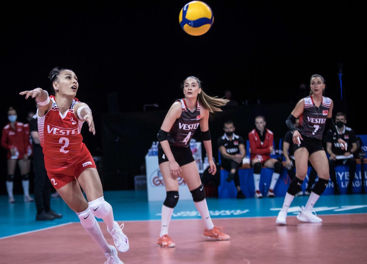 A Milli Kadın Voleybol Takımımız Japonya'ya yenildi