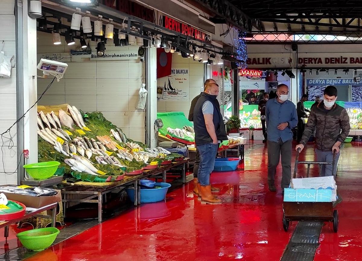 Müsilaj nedeniyle balık satışlarındaki düşüş devam ediyor