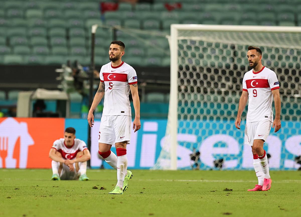 A Milli Takım'da şok kavga... İsviçre maçı öncesi son antrenmanda bakın neler yaşanmış?