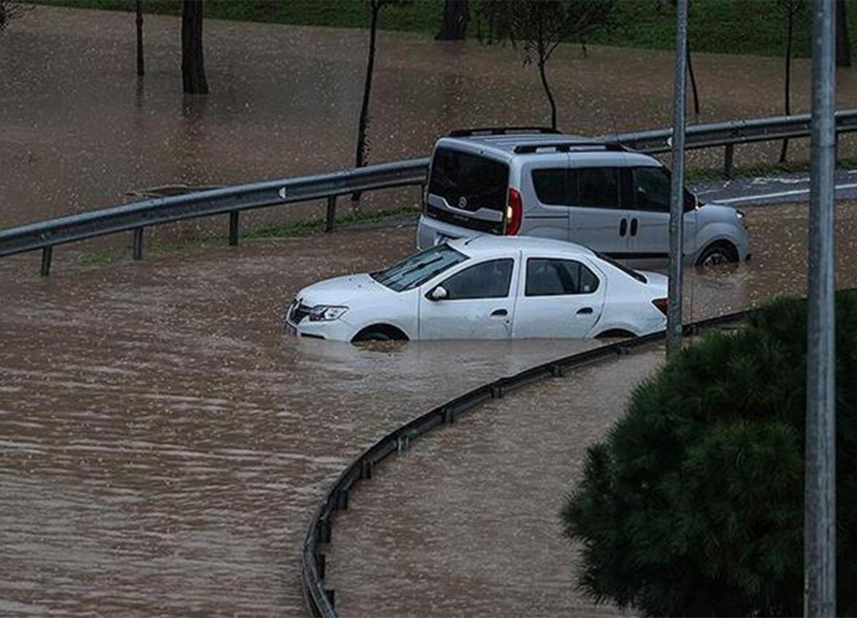 Su baskınında kalan otomobil sahipleri dikkat!