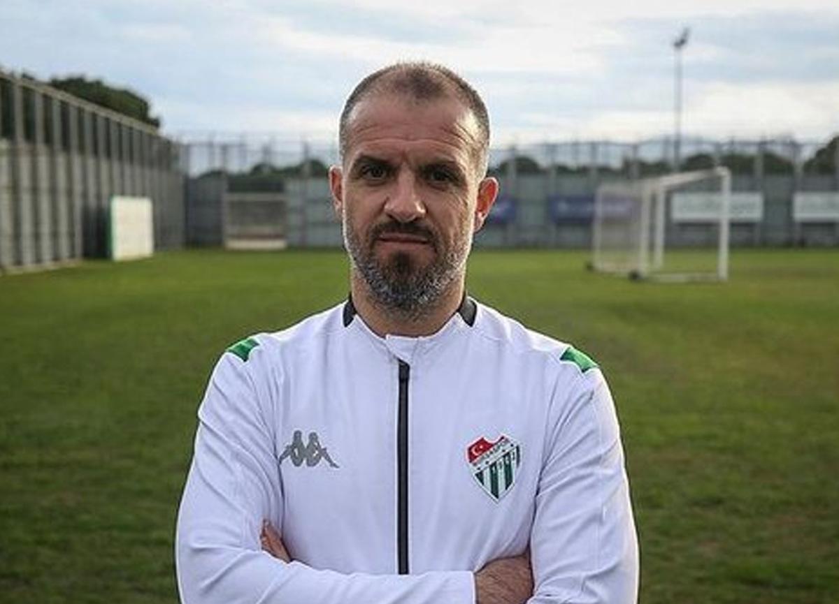 Bursaspor, teknik direktör Mustafa Er ile 3 yıllık sözleşme imzaladı