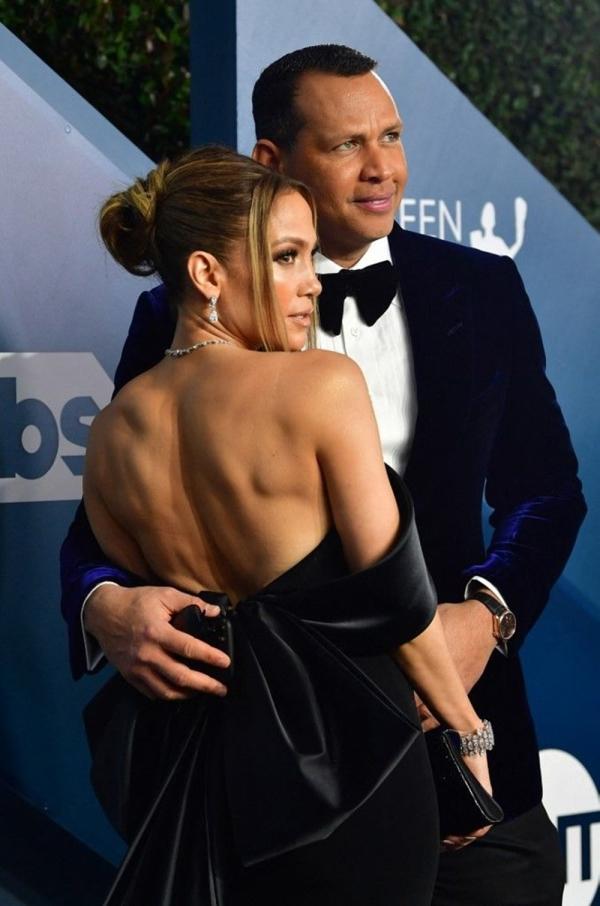 Alex Rodriguez, Jennifer Lopez'den kopamıyor