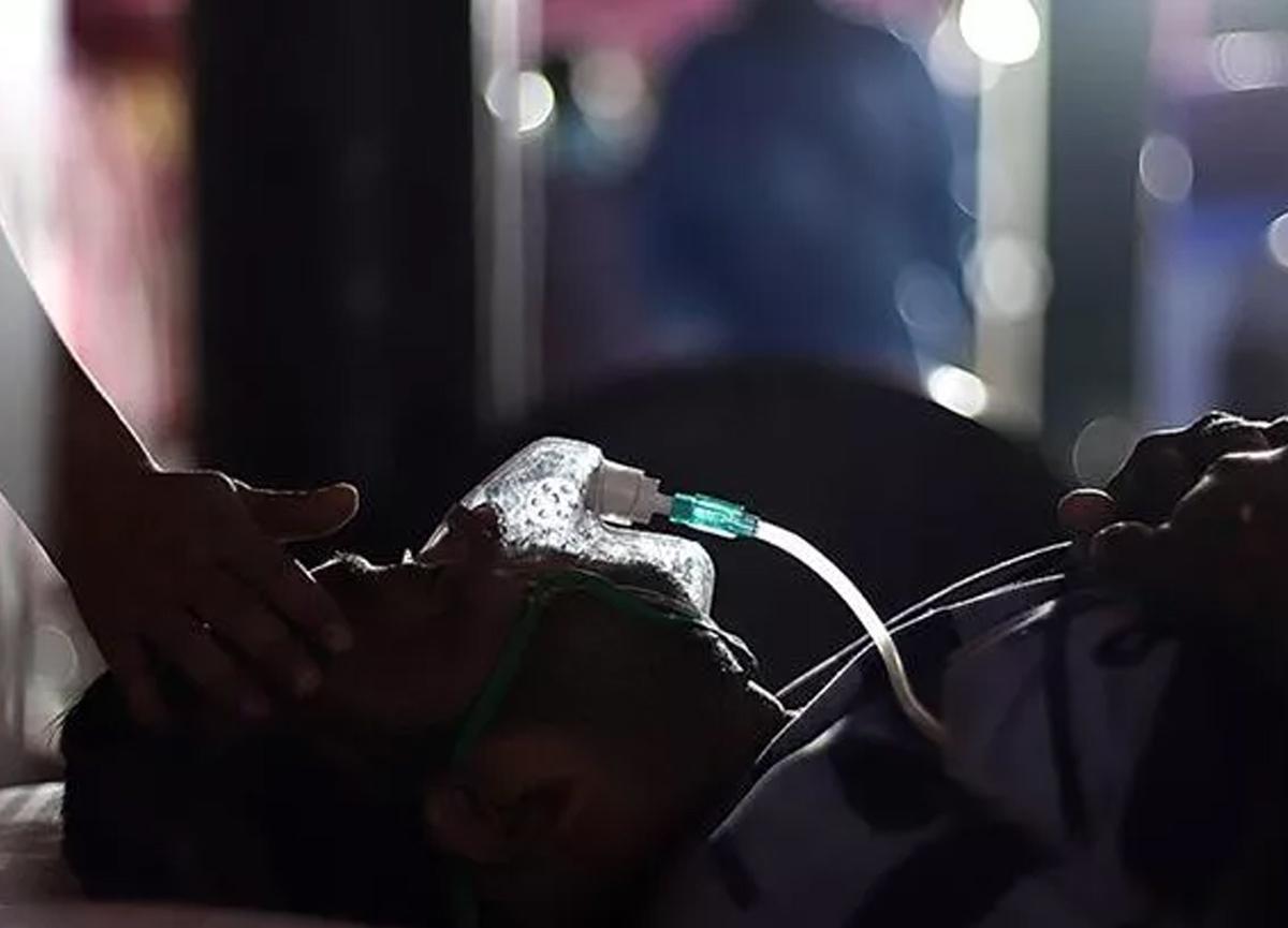 Kovid-19'la mücadele eden Endonezya sıvı oksijen krizi: 63 hasta öldü