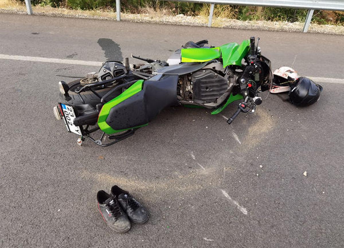Tunceli'de motosiklet kazasında kolu koptu