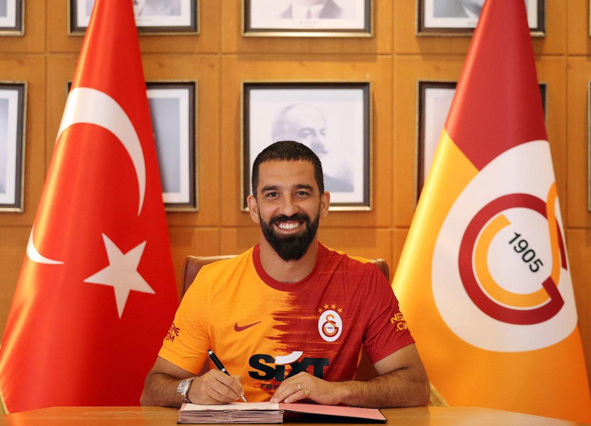Galatasaray, Arda Turan ile 1 yıllık sözleşme imzaladı