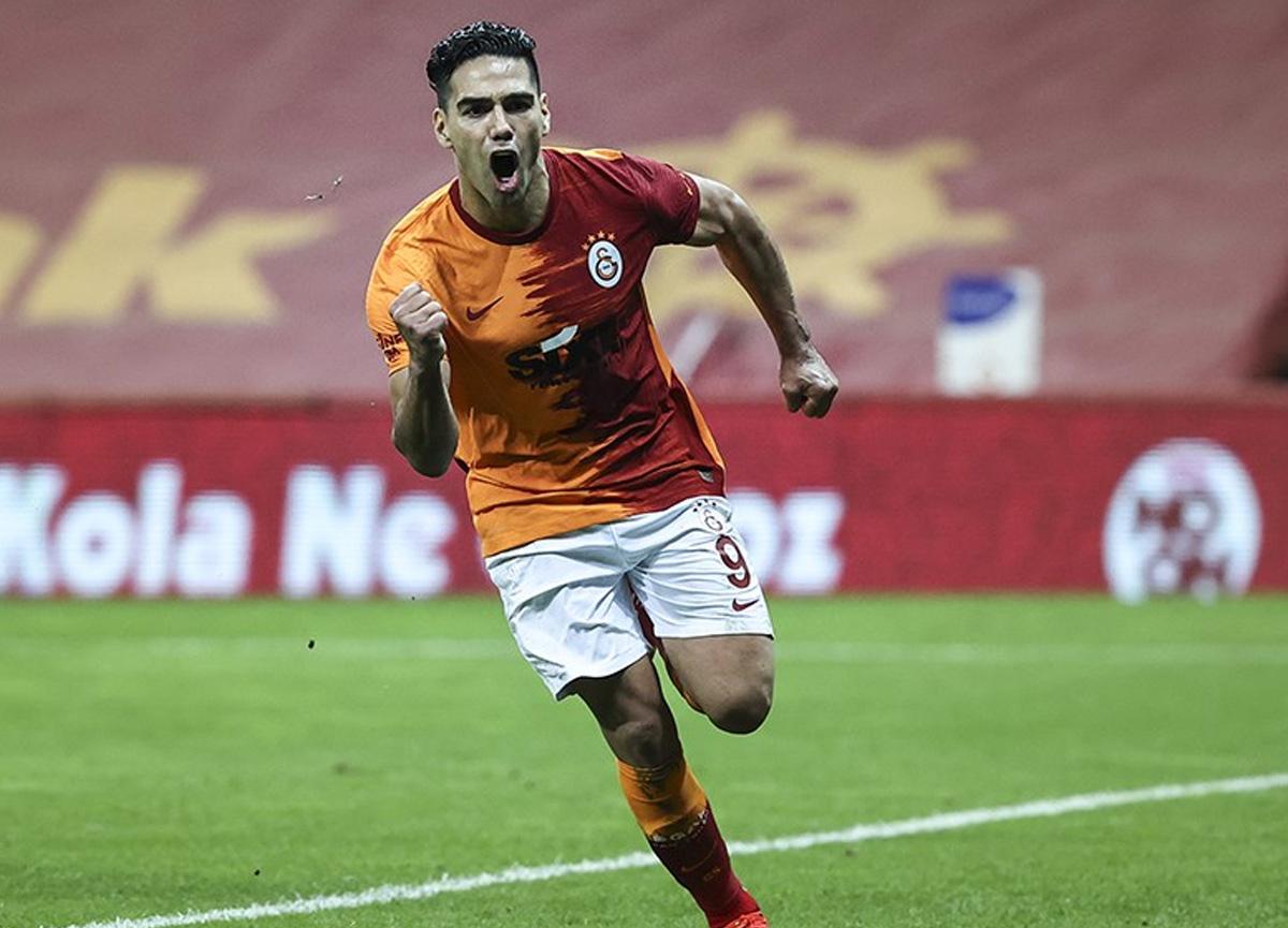 Galatasaray'da Radamel Falcao ayrılabilir