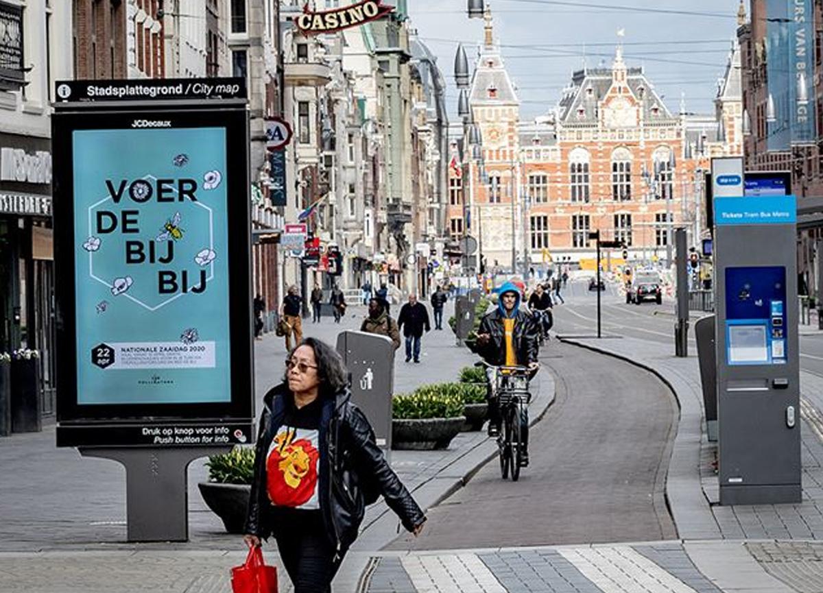 Hollanda'da günlük Kovid-19 vaka sayısı yeniden 10 binin üzerine çıktı