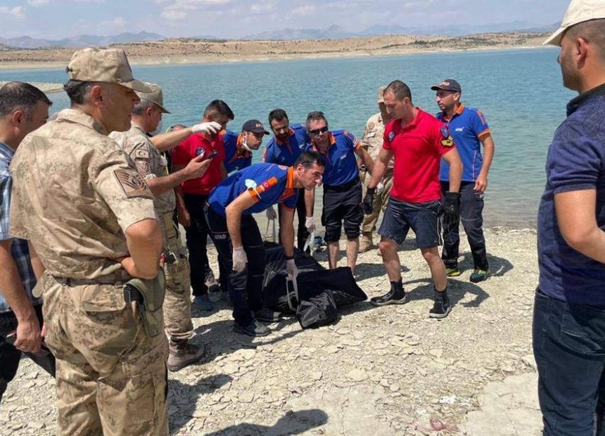 Diyarbakır'da baraj gölüne giren gencin cansız bedenine ulaşıldı