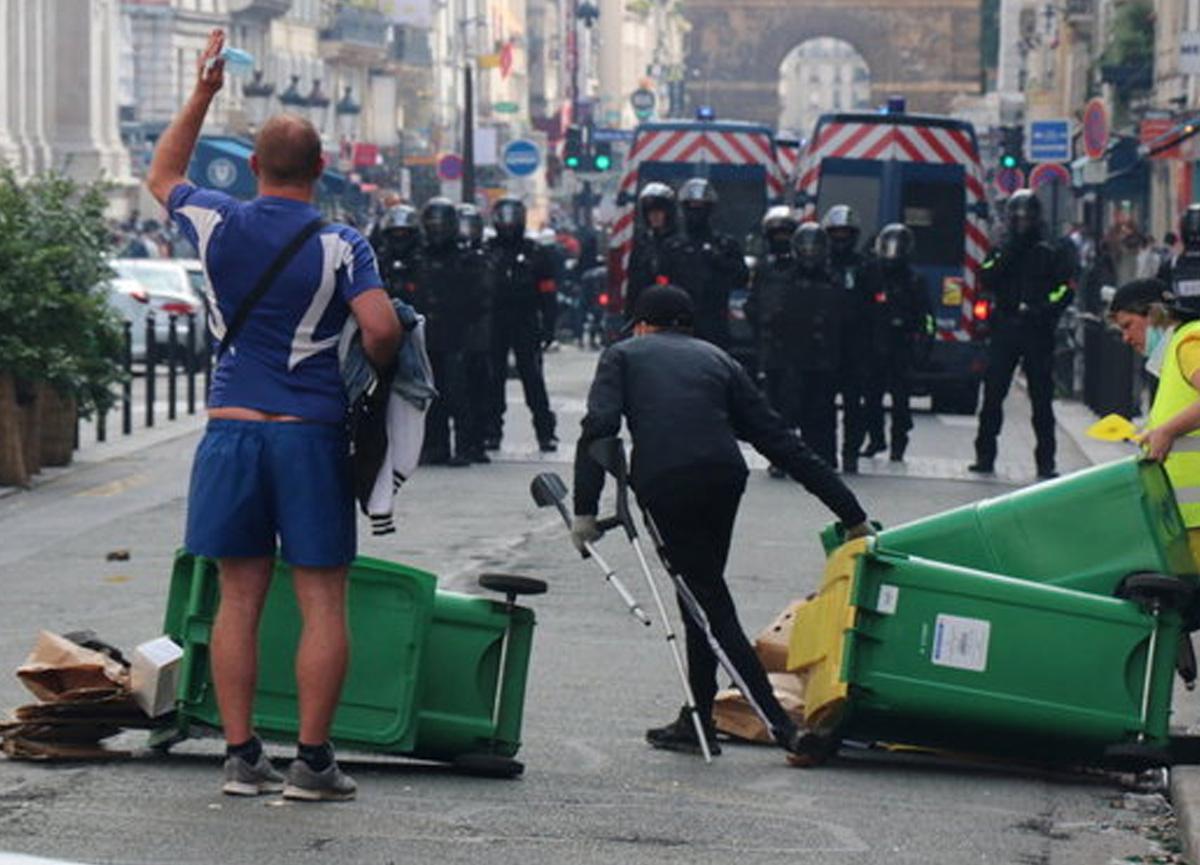 Fransa'da koronavirüs aşısı protestosu! Binlerce kişi katıldı
