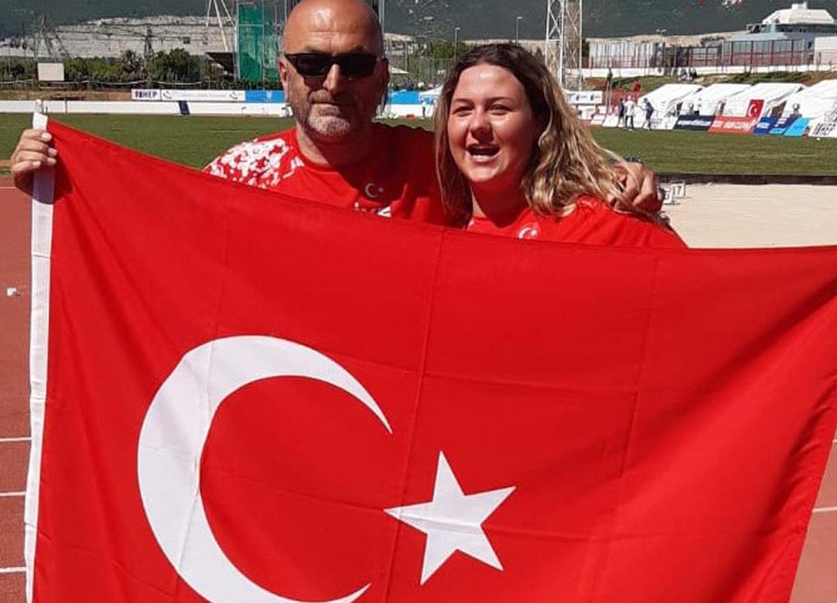 Milli sporcu Pınar Akyol, gülle atmada altın madalya kazandı