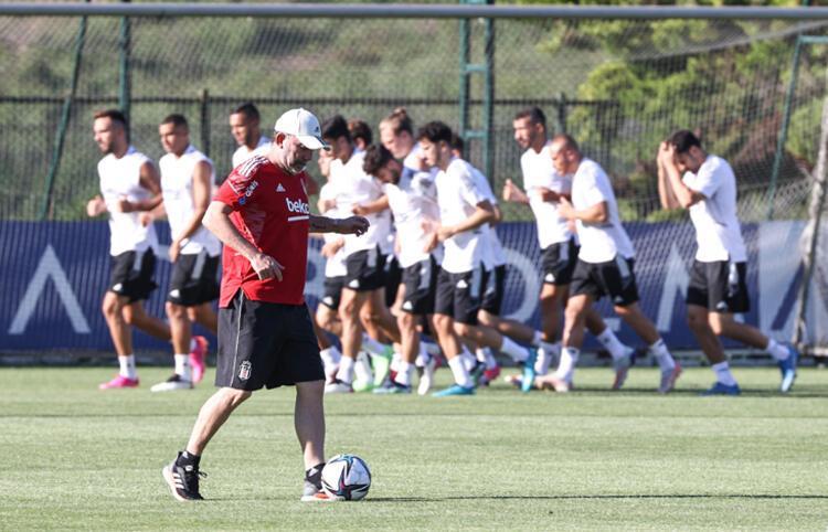 Süper Lig devinden Şampiyonlar Ligi için flaş transfer hamlesi! PSG ile ilk görüşme yapıldı