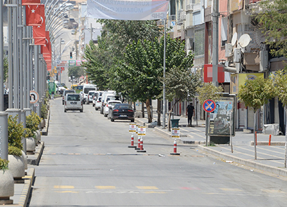 Türkiye'nin sıcaklık rekorunun kırıldığı Cizre'de sokaklar boşaldı