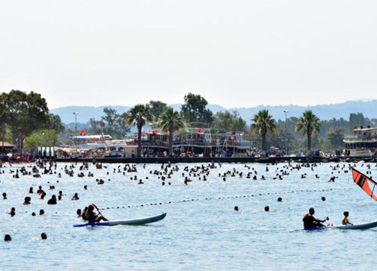 Bayram coşkusu! 'Sakin Şehir' Akyaka'nın nüfusu 20 kat arttı