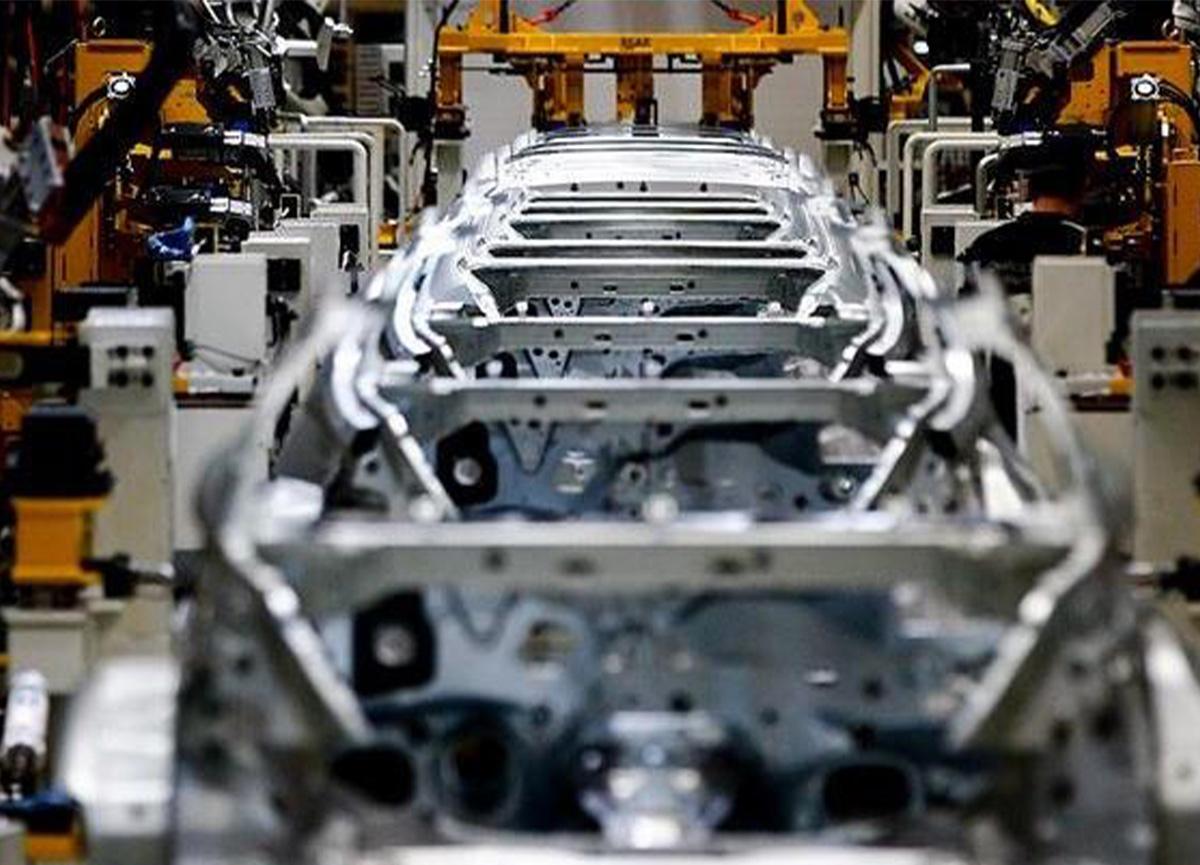 Japon devi Toyota üretimi durdurdu