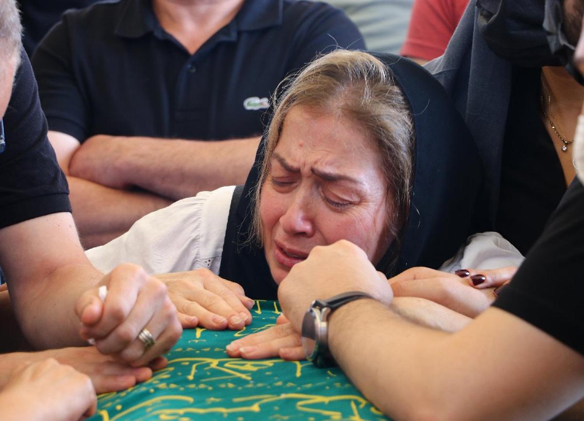 Ünlü sanatçı Turgay Yıldız son yolculuğuna uğurlandı! Gözyaşları sel oldu...