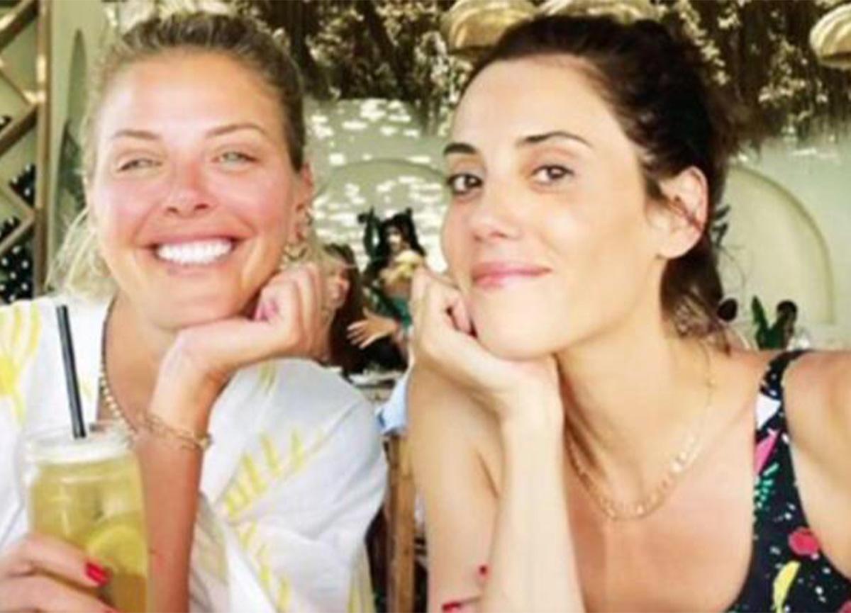 Cansu Dere ve Esra Eron tatilde buluştu!