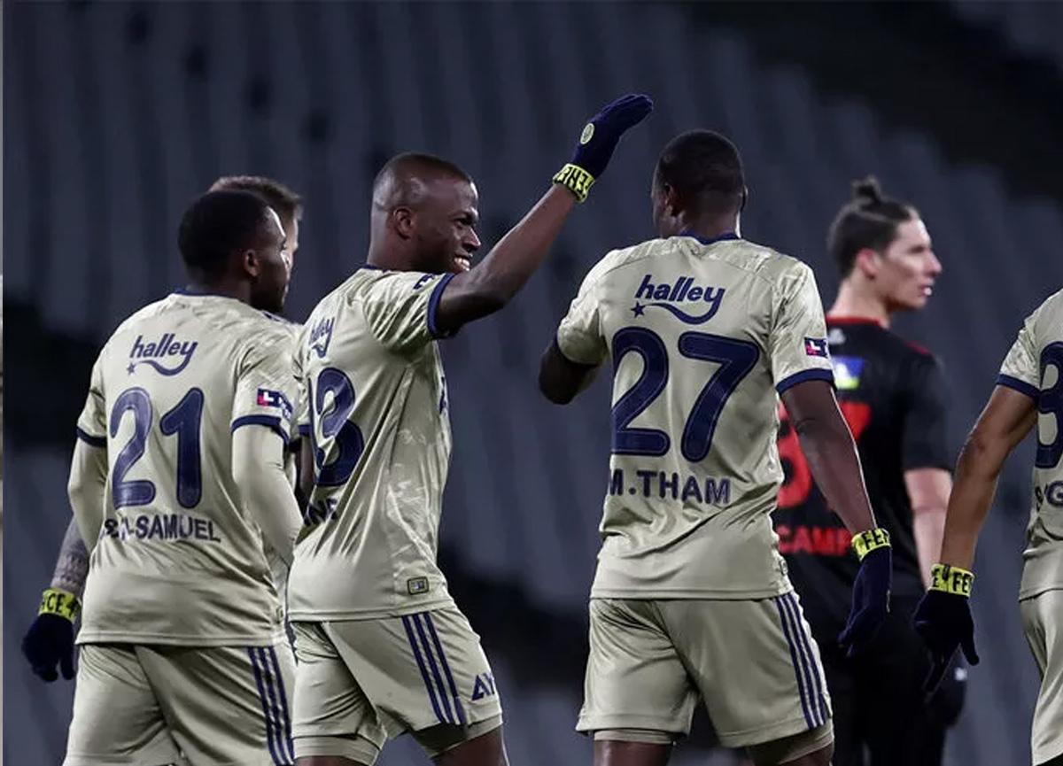 Fenerbahçe'de kadro dışı kalan Mame Thiam'a Süper Lig'den 3 talip!