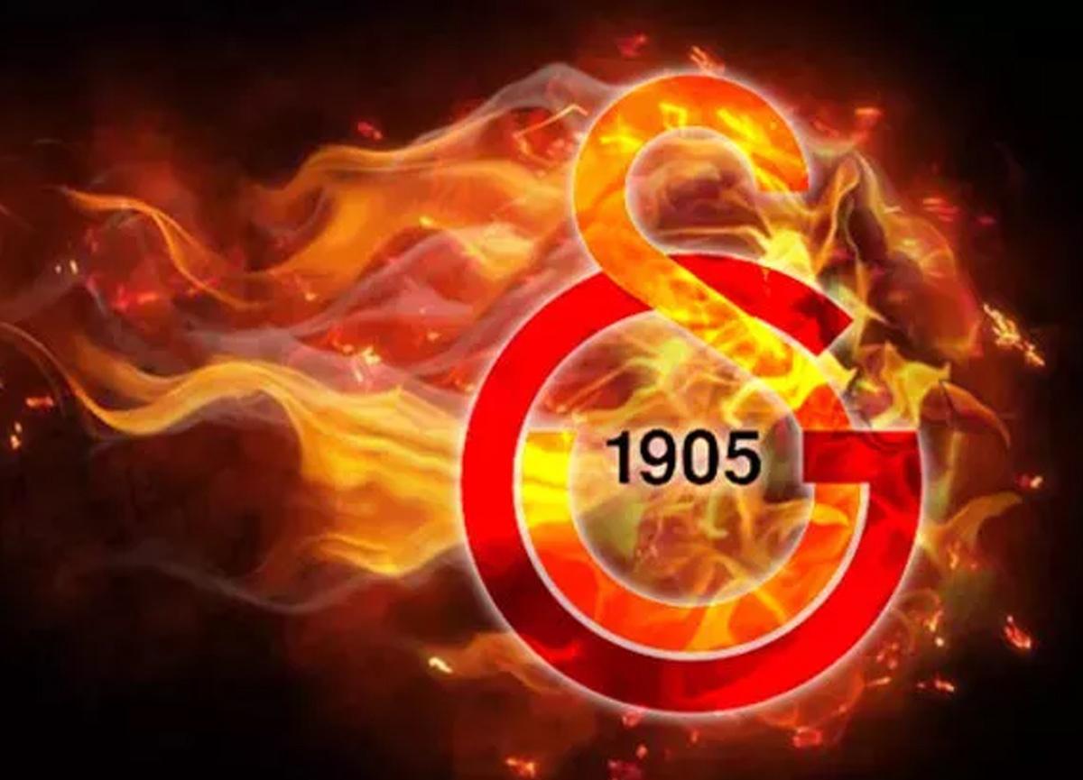 Galatasaray transferde gaza bastı! Patrick Van Aanholt'u KAP'a bildirdi