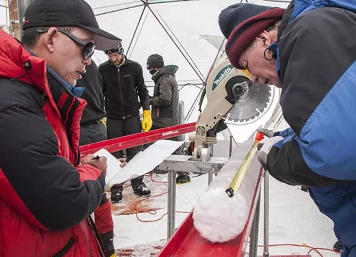 Bilim dünyası şokta! Buz tabakasının içinde 15 bin yıllık virüs keşfedildi