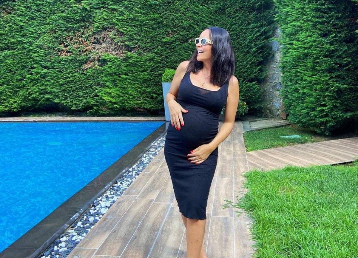 Ünlü şarkıcı Bengü'nün hamilelik pozu sosyal medyada ilgi gördü