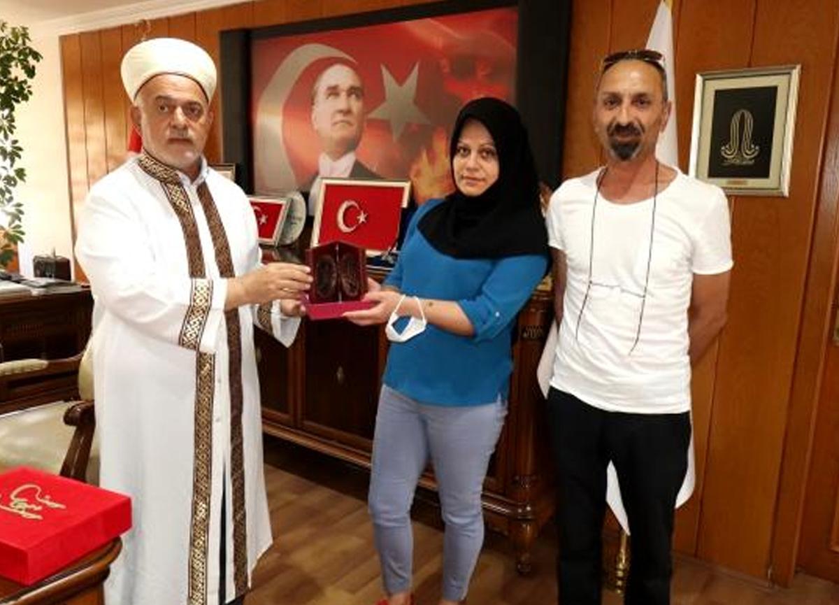 Törenle Müslüman olan Gürcü kadın Elif ismini aldı!